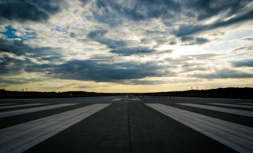 Touchdown Frankfurt Airport Flughafen Sky Himmel Sommer Summer Runway Landebahn 07L/25R